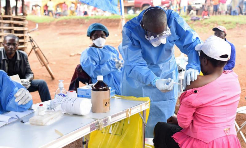 Жители Конго жители не верят в существование вируса Эбола и убивают врачей