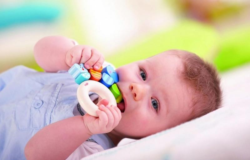"""Врачи: """"знакомить"""" иммунитет ребенка с аллергенами нужно как можно раньше"""