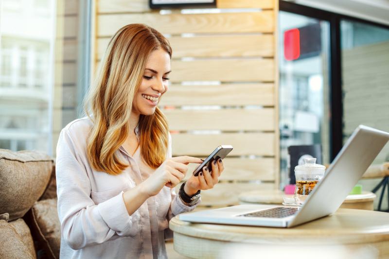 """Число """"жертв"""" влияния смартфонов к концу года превысит 2,5 миллиардов человек"""