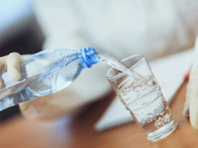 Бутилированная вода: пить или не пить