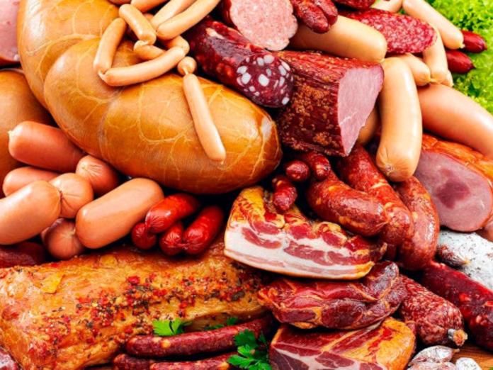 Врачи-онкологи не советуют увлекаться мясными деликатесами
