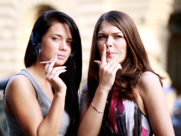 Британские исследователи: молодые курильщики стареют на 20 лет быстрее