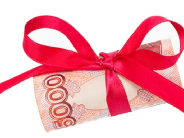 В Госдуме предложили выплачивать некурящим сотрудникам повышенные премии