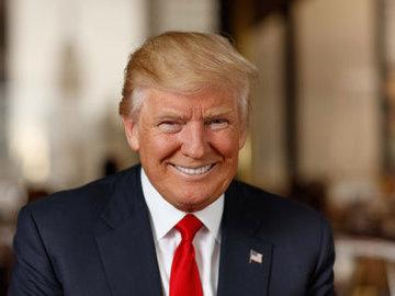 Во время выступления Трампа в США стало плохо троим его сторонникам