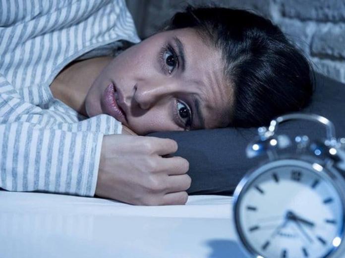 О каких проблемах со здоровьем сигнализирует бессонница