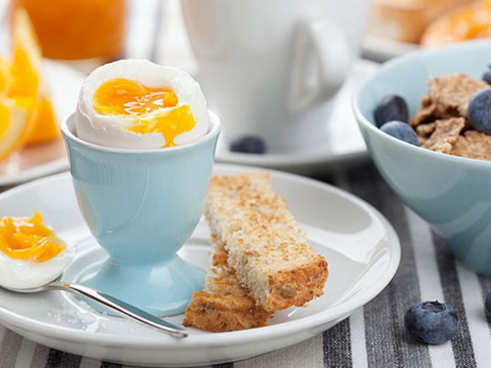 Нужно ли завтракать по утрам?