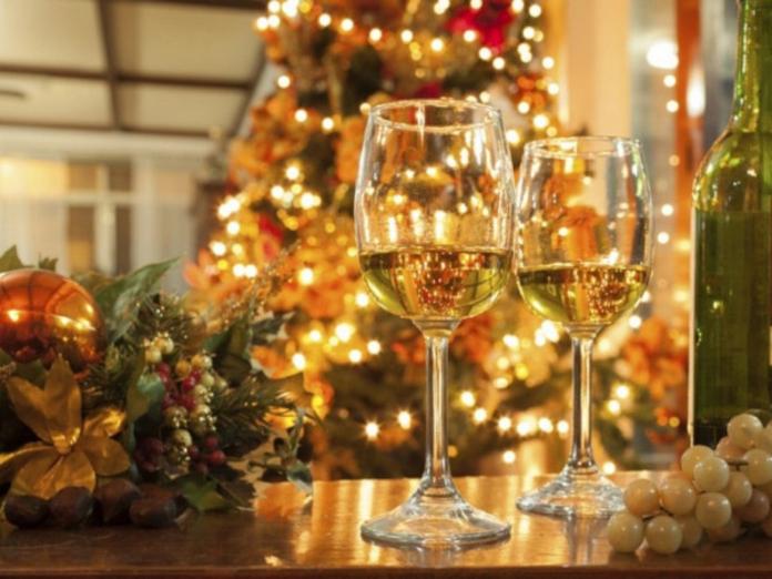 """Врачи-диетологи: как """"правильно"""" пить алкогольные напитки в новогодние праздники"""