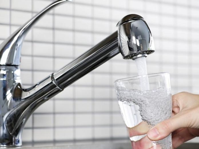 Превращаем воду из-под крана в лечебную! Видео