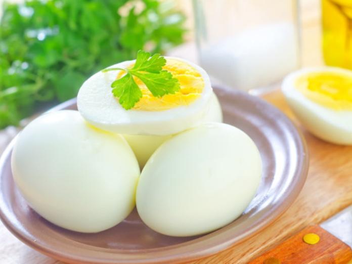 Исследователи: куриные яйца могут защитить от инсульта