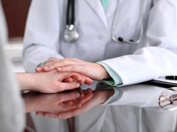 Врачи дали советы для самодиагностики раковых заболеваний