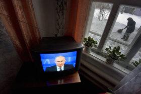 Почему россияне не уважают ТВ, но верят ему