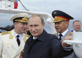 Зачем Путин приказал подготовить армию и флот