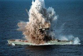 Корабли ВМФ устроили торпедную дуэль на Балтике