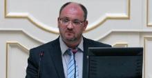 Адвокат депутата Резника внимательно наблюдал, как жена травокура отдувается за наркоскандал в полиции