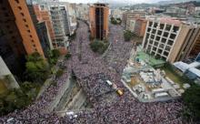 Госпереворот в Венесуэле: Удержится ли Мадуро и что грозит России