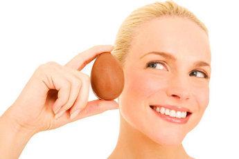 Яйца и томатная паста подтянут лицо без операции