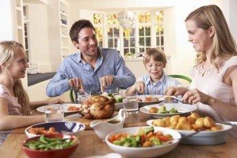 Ученые: поздние ужины не приводят к ожирению и диабету