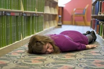 Дети в школах Кузбасса массово падают в голодные обмороки