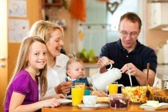 Завтраки с родителями формируют позитивный образ жизни у детей