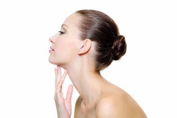 Лебединая шея: как избавиться от дряблости кожи