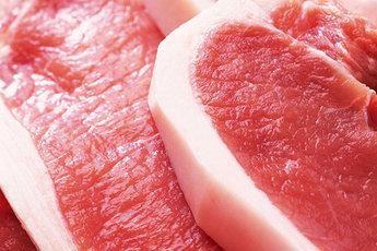Диетологи дали добро свинине и салу