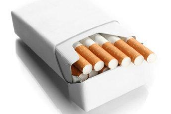 """Сигаретные упаковки сделают """"без лица"""""""