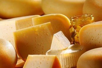 Россияне предпочитают импортный сыр