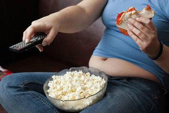 Ученые: сидячий образ жизни опаснее курения