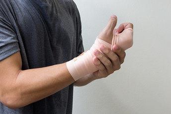 «Умная» повязка быстро заживляет раны