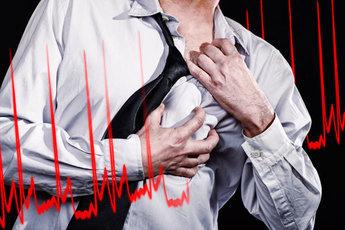Мужчины в России часто умирают из-за инфарктов и инсультов