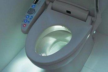 """""""Умный"""" туалет сделает анализы и отправит к врачу"""