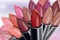 Шеллак, краска для волос и губная помада приводят к раку