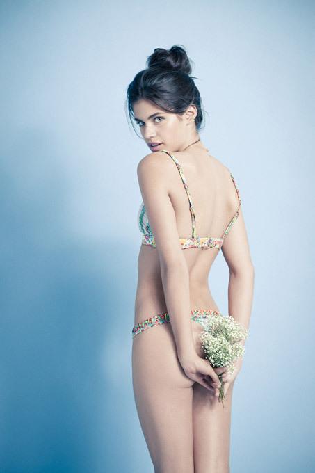 Nova estrela  de glamour  a  portuguesa Sara Sampaio