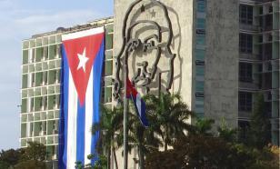 Os EUA começam golpe em Cuba. A Rússia é seguinte