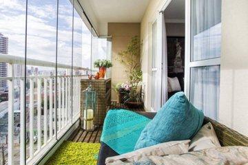 Спальная зона на балконе: стоит или нет?