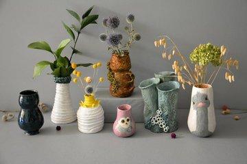 Как улучшить интерьер с помощью декоративных ваз и цветов
