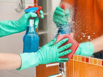 Наводим чистоту: как заставить блестеть зеркала и стекла