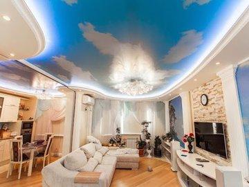 Цветные потолки: для чего они нужны?