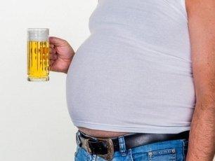 Диетологи советуют, как убрать «пивной» живот