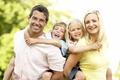 Секреты счастливой семейной жизни. Видео