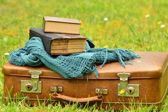 Топ-5 книг, которые заставят нас бросить все и уехать