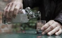 12 тысяч россиян погибли от алкоголя на новогодних каникулах