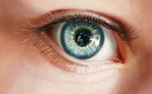 Ученые создали линзы для глаз с шипами