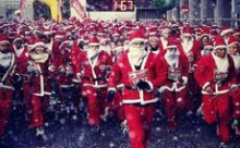 В Испании в марафоне приняли участие семь тысяч Санта-Клаусов